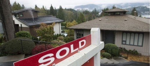 More first-time home buyers used 'bank of mom and dad,' B.C. survey says
